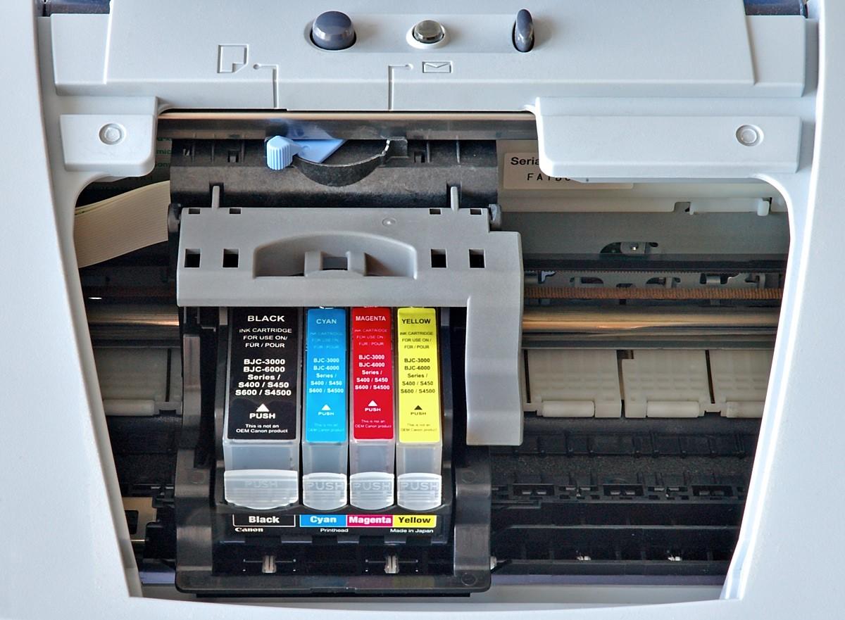 А как выбрать цветной струйный принтер? По каким параметрам производить отбор?