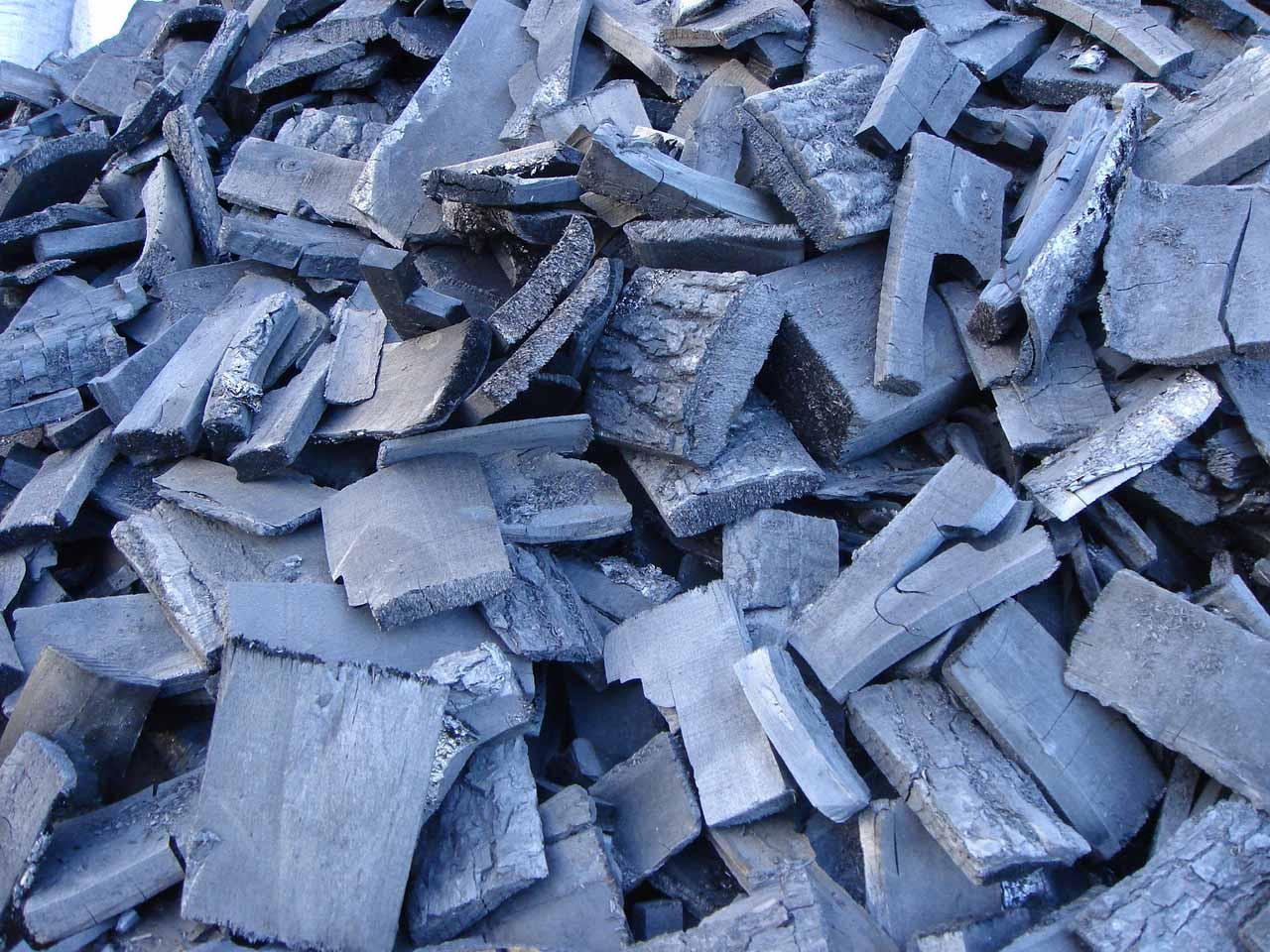 Древесный березовый уголь