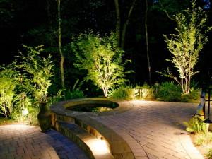 Как организовать освещение площадок и дорожек