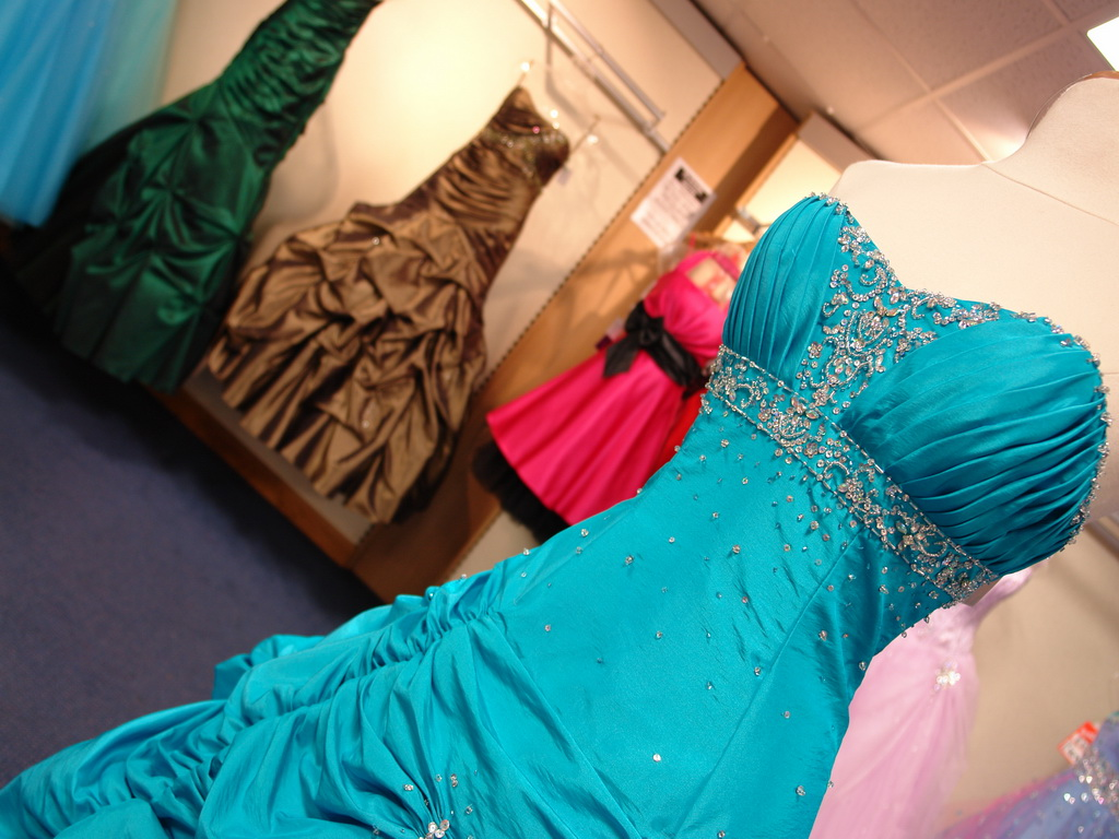 Как выбрать вечернее платье