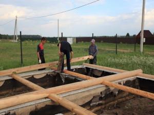 Как заложить фундамент дома и бани из оцилиндрованного бревна