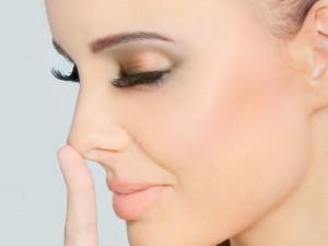 Коррекция носа при макияже