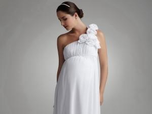 Мода для беременных невест
