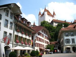 Недвижимость Швейцарии: снежные вершины, закрытая страна!
