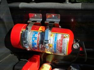 Огнетушитель для автомобиля — выбираем какой огнетушитель нужен?