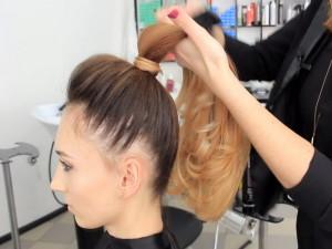 """Простые укладки волос на основе """"конского хвоста"""""""