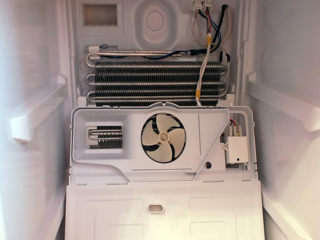 Ремонт бытовой техники: холодильника