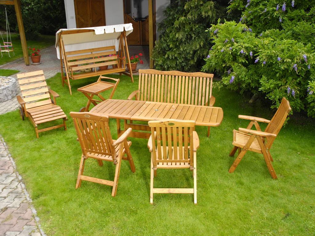 Собственный бизнес по изготовлению мебели для сада и даже для дома