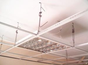 Установка плиточного подвесного потолка своими руками