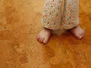 Выбор пола для детской комнаты