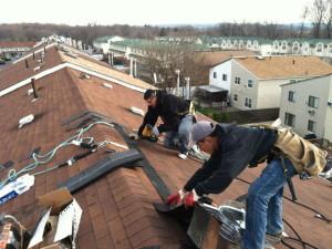 Выполнение кровельных работ по ремонту крыши