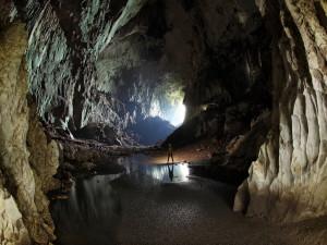 Что угрожает пещерам