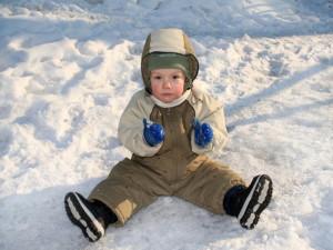 Как подобрать зимнюю обувь для годовалого ребенка