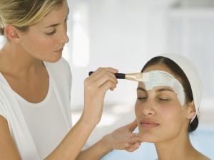 Как правильно выбрать косметолога?