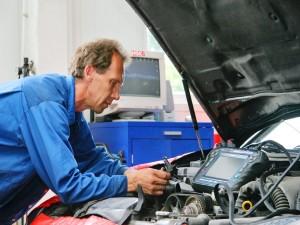 Компрессия двигателя: Измерьте самостоятельно силовые воздействия