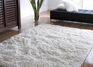 Шерстяной ковер сохранит тепло в Вашей гостиной!