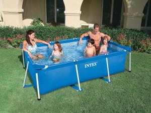 Спасение в жаркий летний день - надувной бассейн