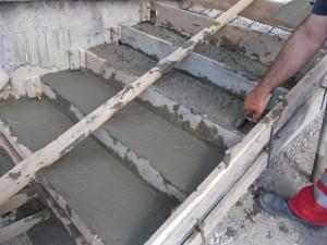 Строительство крыльца из бетона
