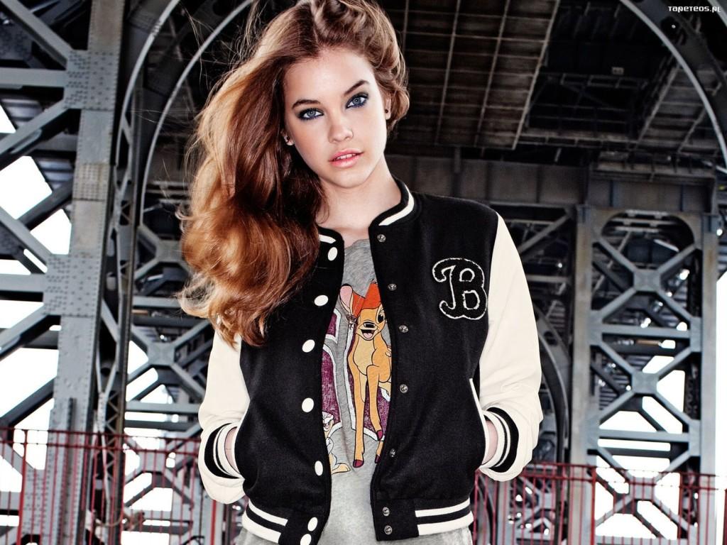 Женская куртка-бомбер опять в тренде