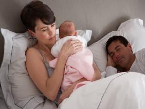 Беспокойный сон у новорожденного: устраняем проблему