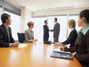 Для чего компании нужны услуги сторонних управленцев