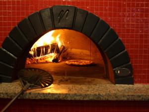 Как конструкция печи для пиццы способствует вкусному обеду