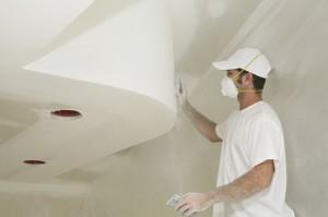 Как правильно шпаклевать потолок и стены?