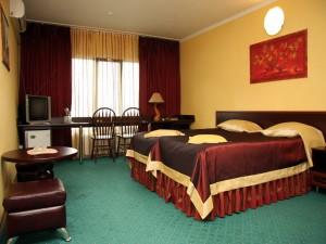 Квартиры посуточно или гостиничные номера?