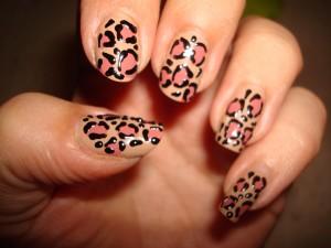 Модный леопардовый маникюр
