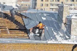 Ремонт крыши зимой