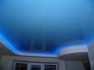 Установка подсветки натяжного потолка