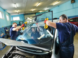 Выбор качественного автомобильного стекла
