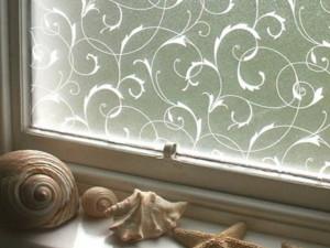 Декорирование стекла и окон пленками