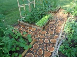 Из чего строят садовые дорожки?