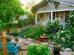Как оформить сад в частном доме