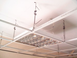 Как сделать потолок своими руками: натяжной и подвесной потолок