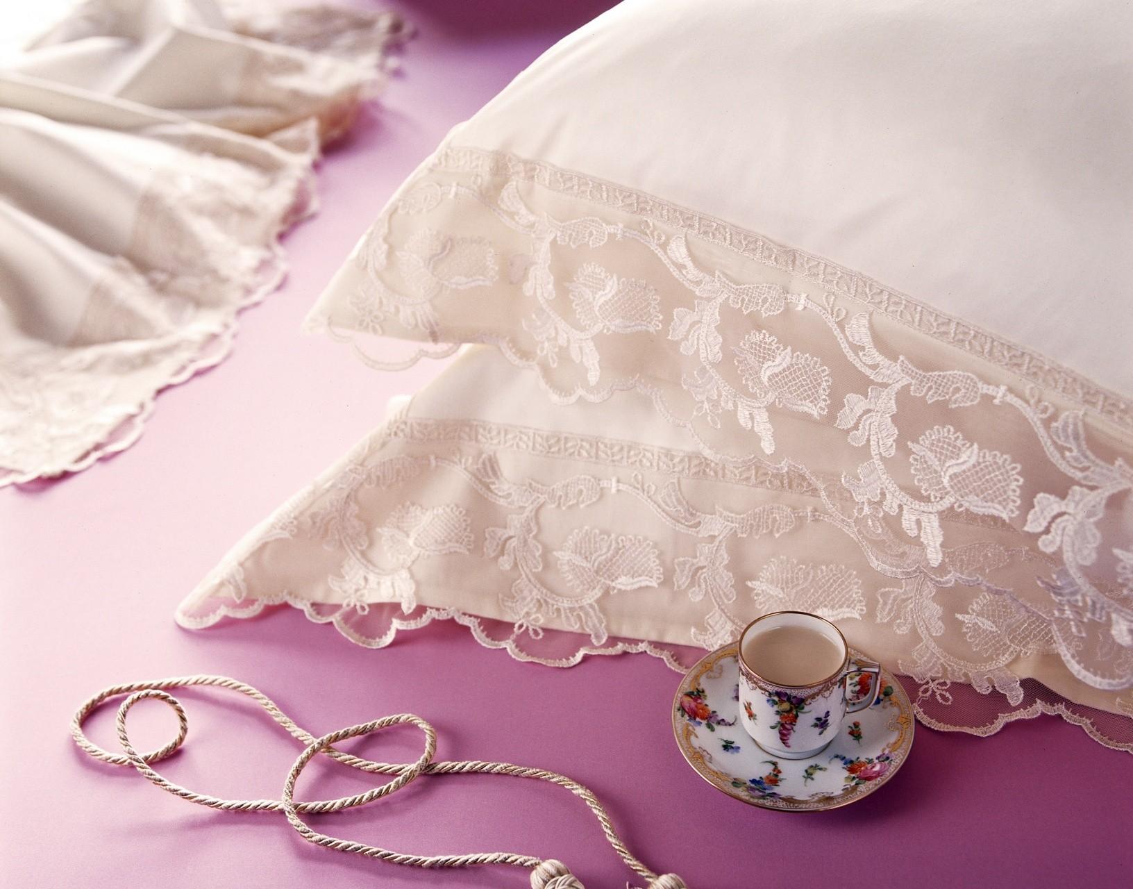 Сшить постельное белье с кружевами
