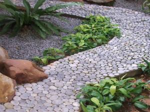Садовые дорожки на участке