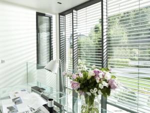 Автоматические жалюзи – современные окна для каждого дома
