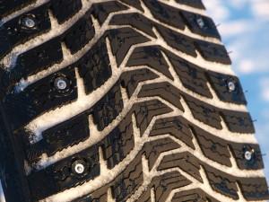 Особенности шипованной резины  Nokian и Michelin
