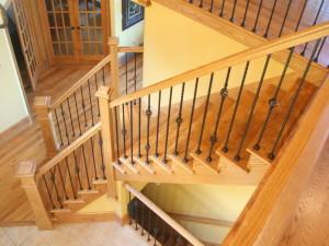 Выбираем лестницу для дома и дачи