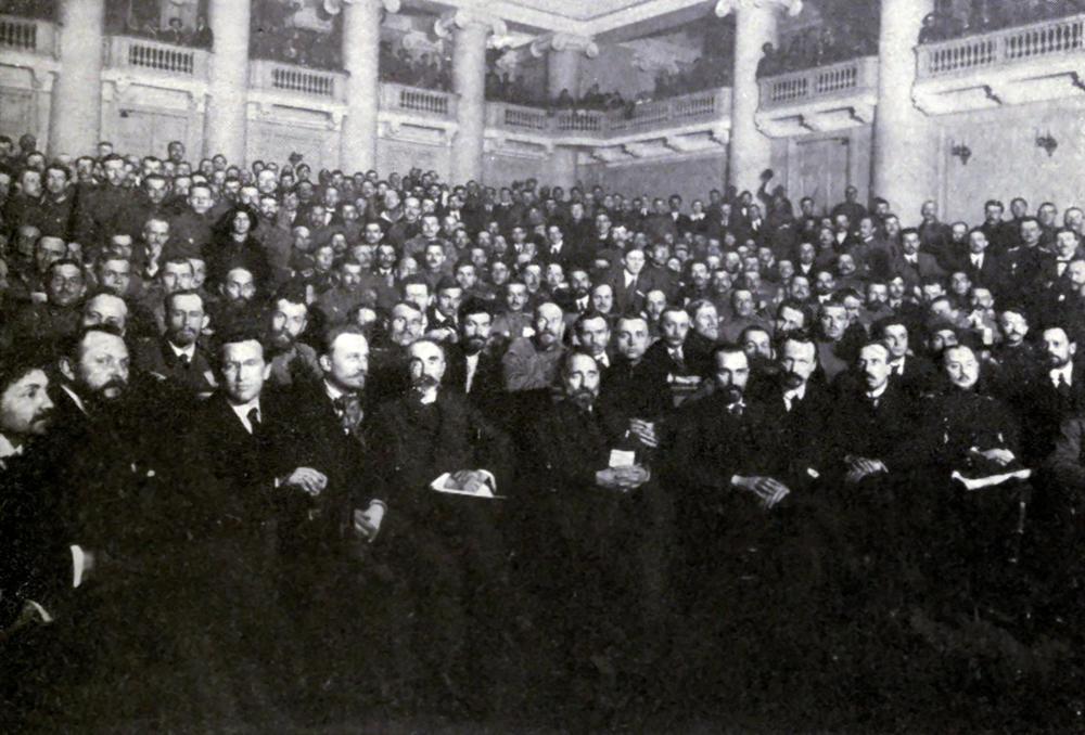 Маски и амплуа депутатов всех уровней Советов