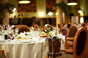 Как открыть свой ресторан и сделать его популярным