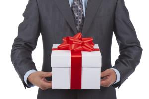 Какие новогодние корпоративные сувениры можно заказать