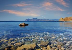 На летний отдых к морю интересный курорт Феодосия ждет Вас с друзьями