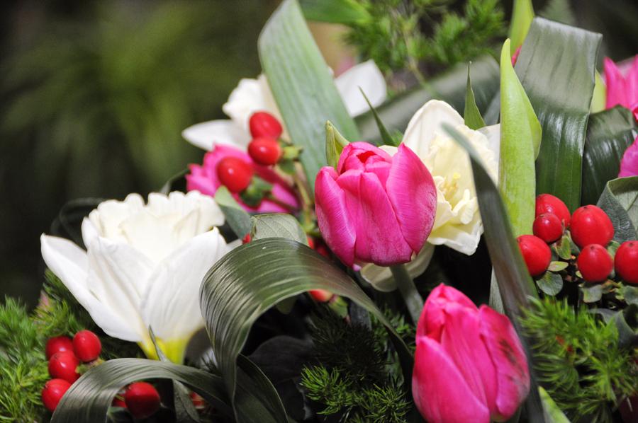 Как тайно подарить цветы