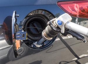 Превосходства езды двигателя на газу (газовом топливе) вместо традиционного бензина