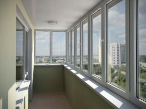 Застеклить балкон недорого: как сделать это правильно и не ошибиться в выборе компании?