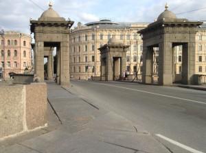 Путешествие на авто по Санкт-Петербургу
