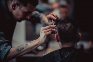 Стильные мужские стрижки в барбершопе «Щегол» в Москве